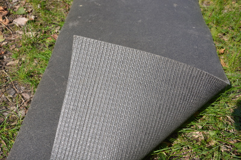 DDR - Isomatte mit strukturierter Unterseite