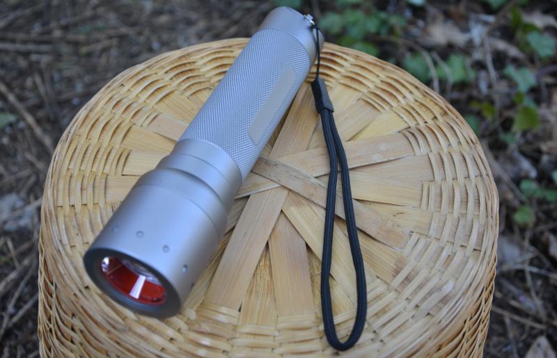 outdoor LED Stab - Taschenlampe  ledlenser SL-Pro300